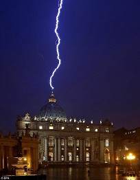 Lightning strikes St. Peter's Basillica